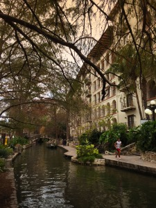 Almost around the clock, San Antonioans enjoy the walkway. There are no hand rails along much of the River Walk. We wondered if there's a yearly statistic of how many people are fished from the water.